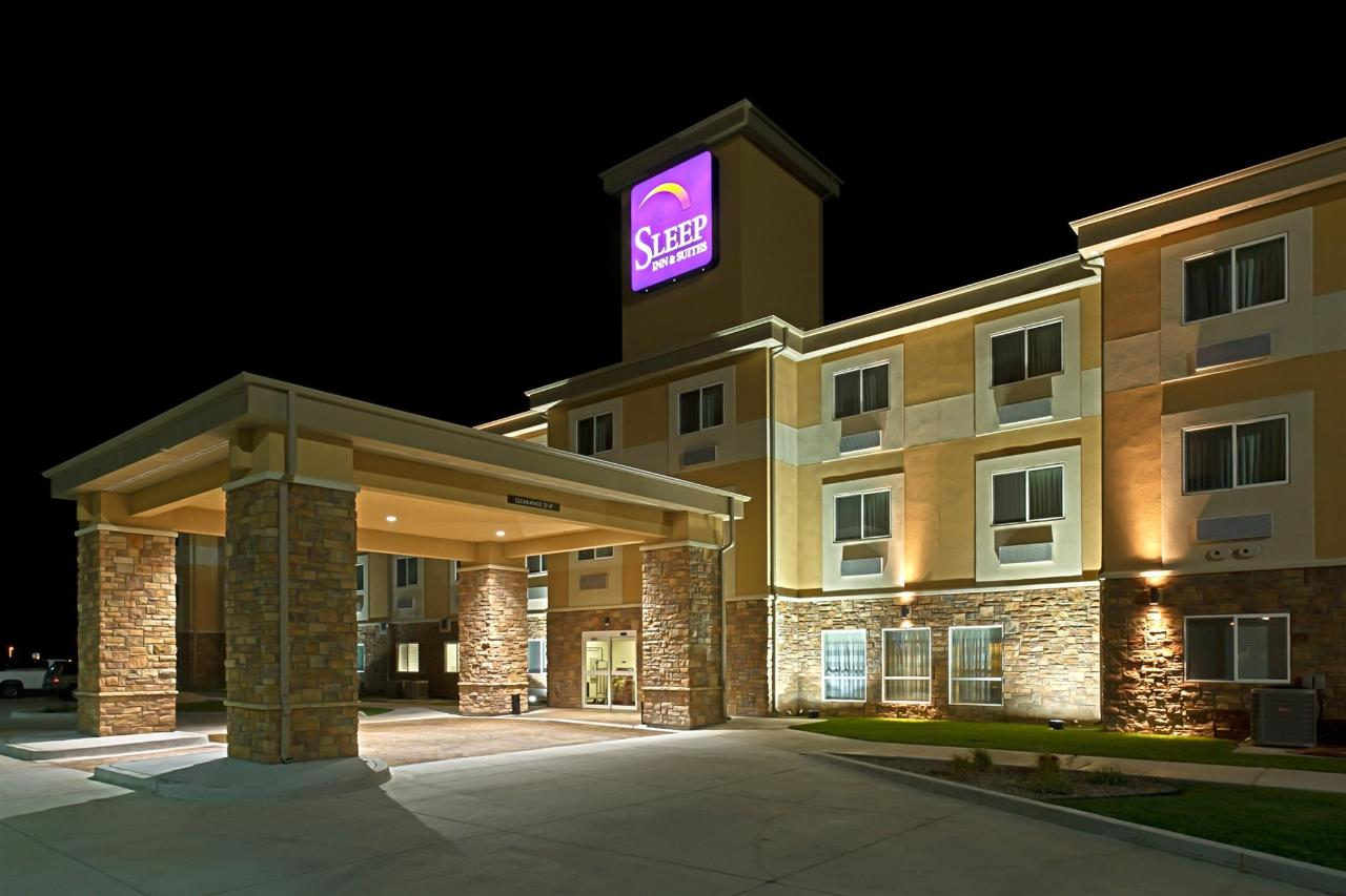 ks148-sleep-inn-exterior-2.jpg