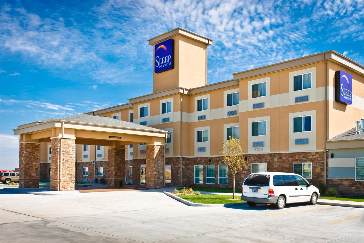 ks148-sleep-inn-exterior-6.jpg