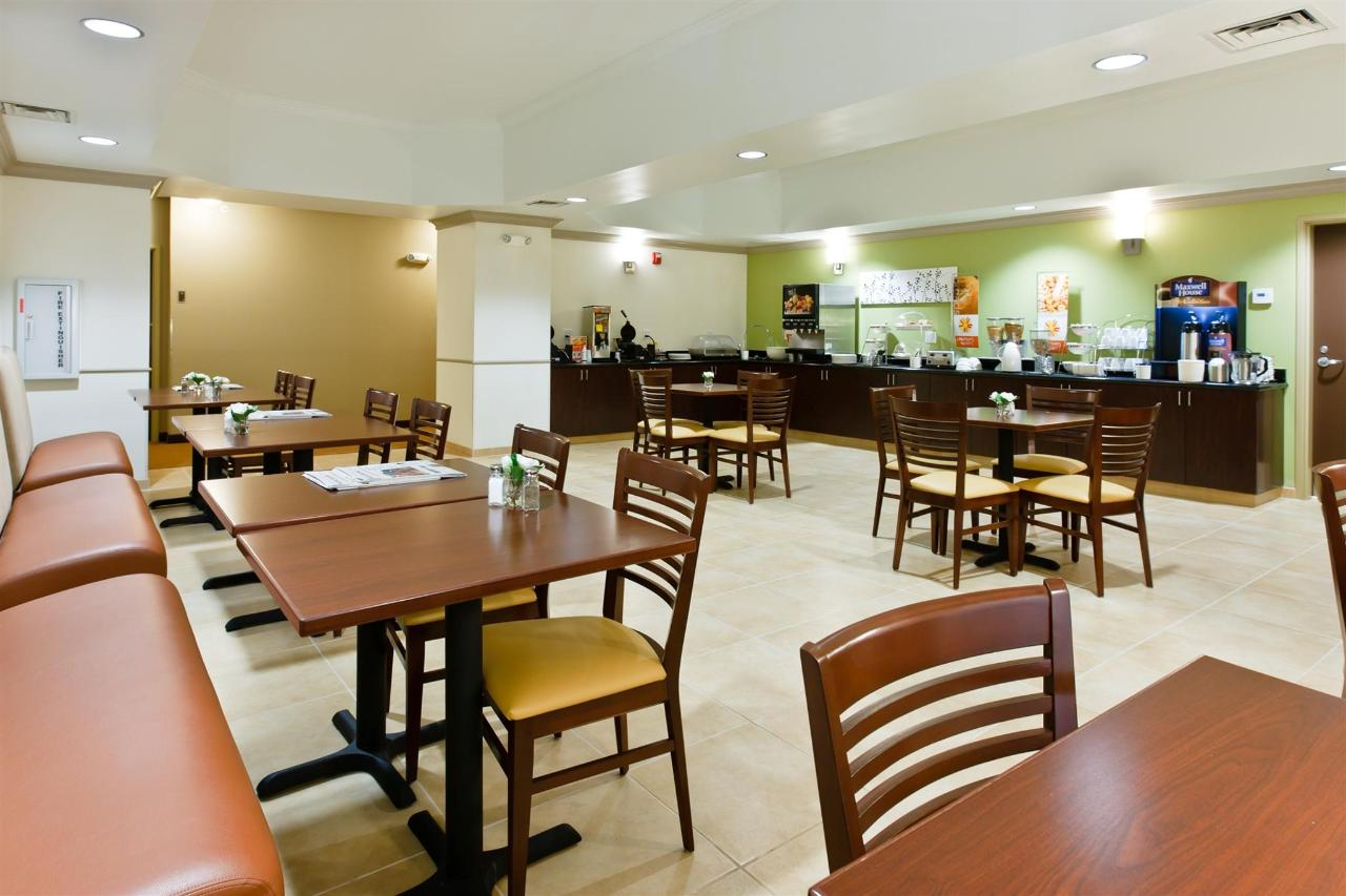 ks148-sleep-inn-breakfast-area-1.jpg