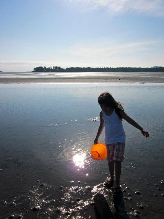 Tigh-Na-Mara Seaside Spa Resort Beach Play Family Friendly