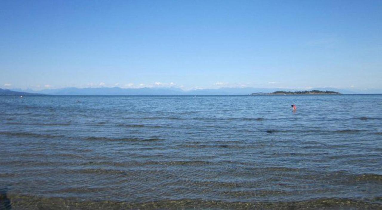 Tigh-Na-Mara Seaside Spa Resort Beach Shallows