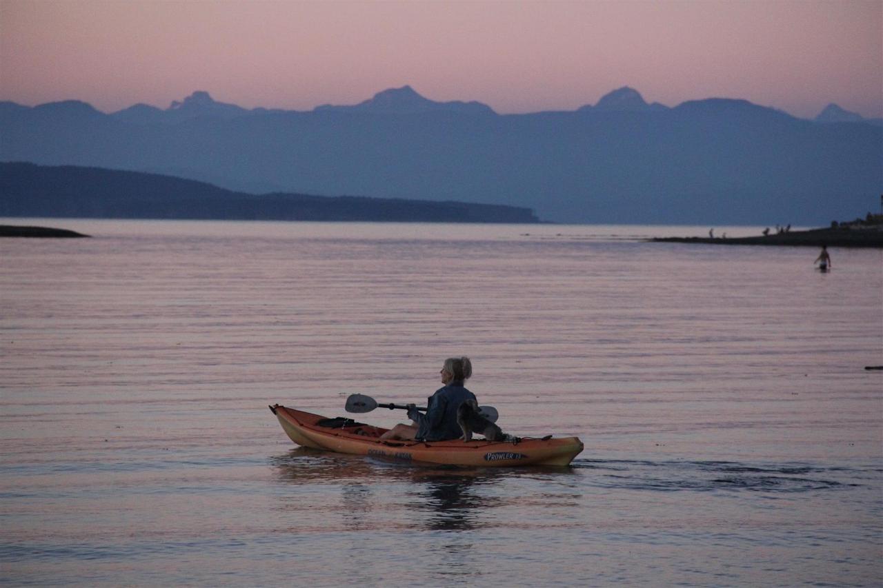 Vancouver Island Analarai Kayaking