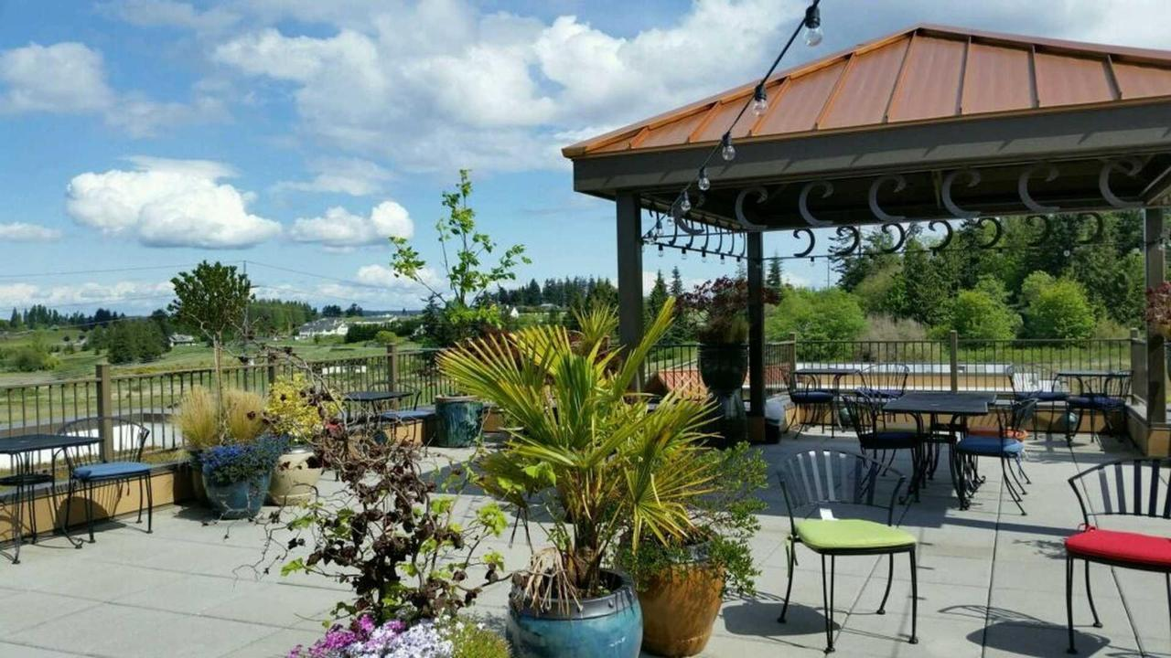 rooftop-garden-at-the-holiday-inn-express-sequim-4.jpg.1920x0.jpg