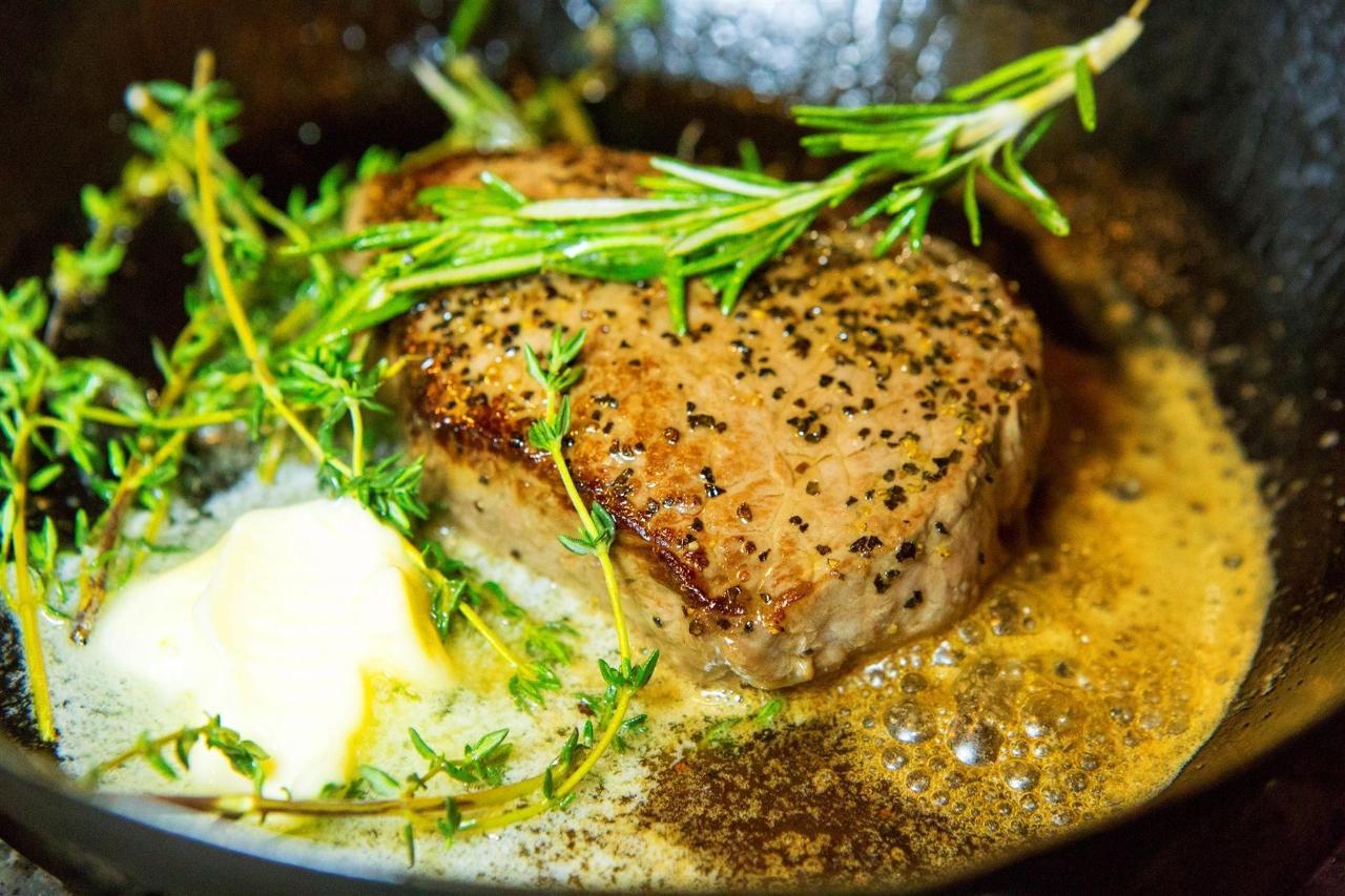 Tigh-Na-Mara Cedars Restaurant Pepper Steak