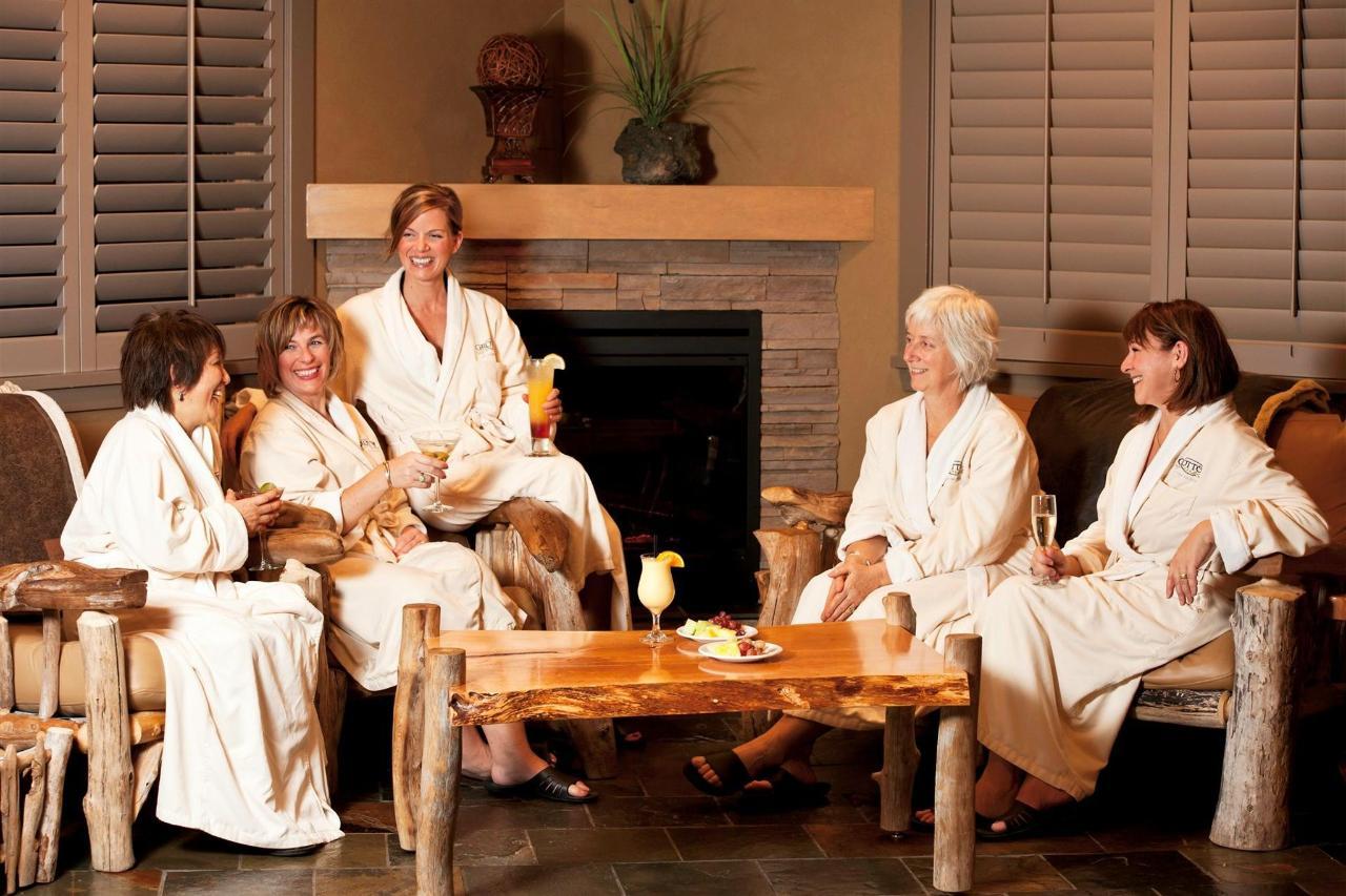 Tigh-Na-Mara Grotto Spa Group Spa Ladies
