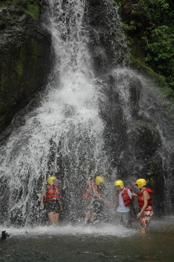 waterfallpeople.JPG.1024x0.JPG