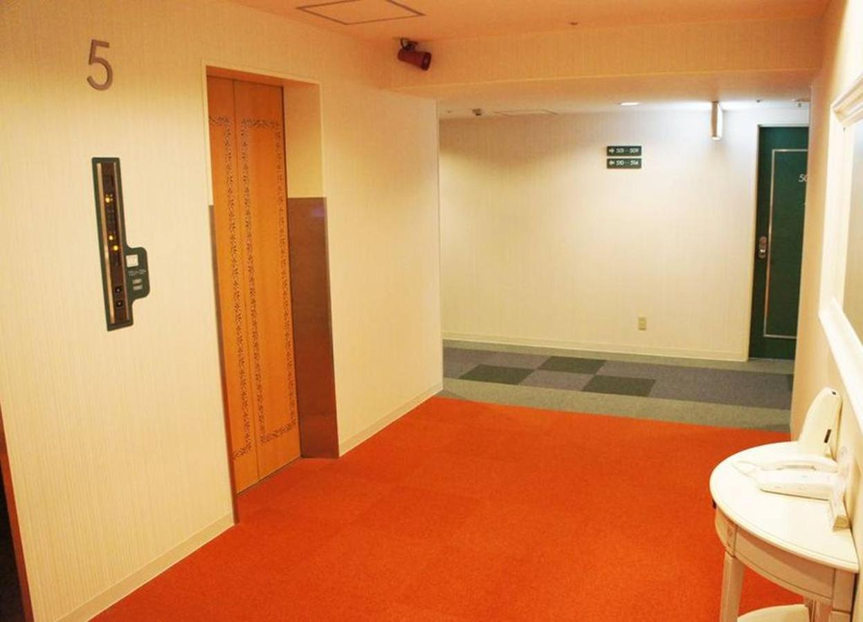 電梯hall.jpg.1024x0.jpg