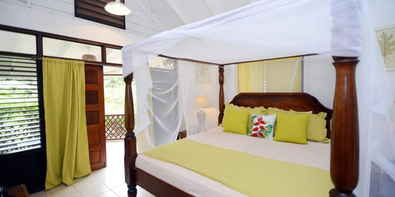 The Honeymoon Suite - Hummingbird - Saint lucia2.jpg