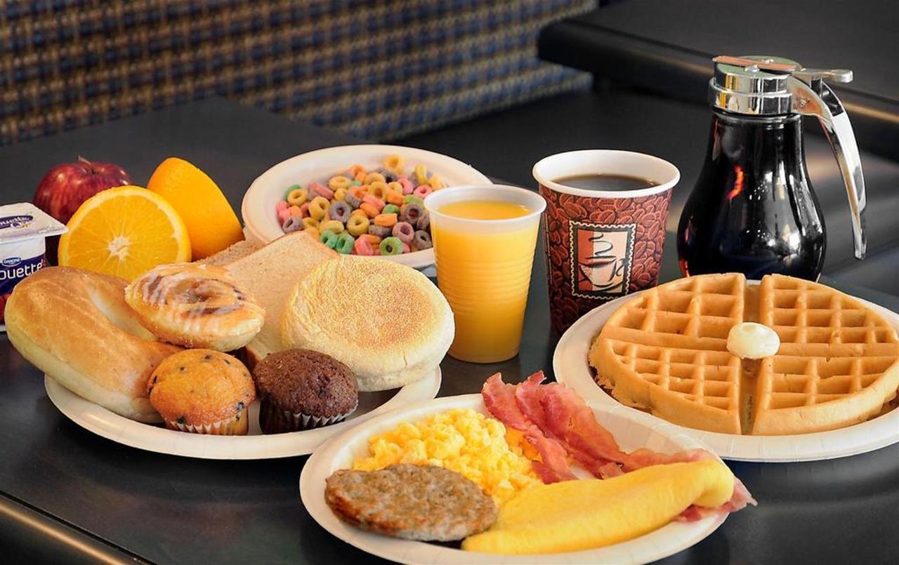 03-breakfast.jpg.1024x0.jpg