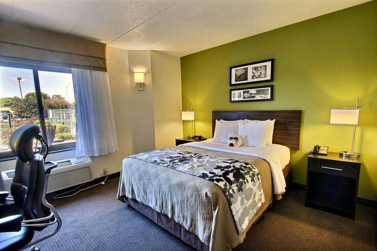 queen-handicap-guest-room-b1.jpg.1024x0.jpg