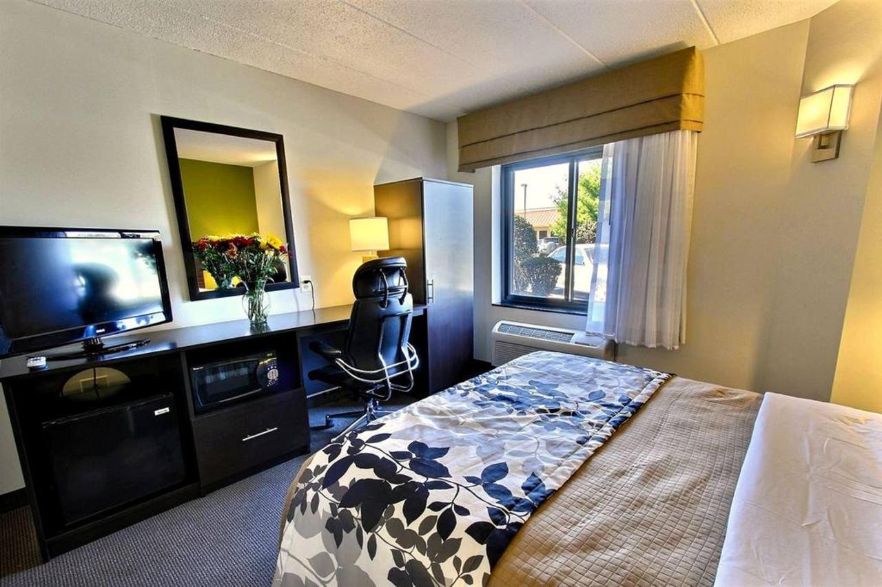 queen-handicap-room-d1.jpg.1024x0.jpg