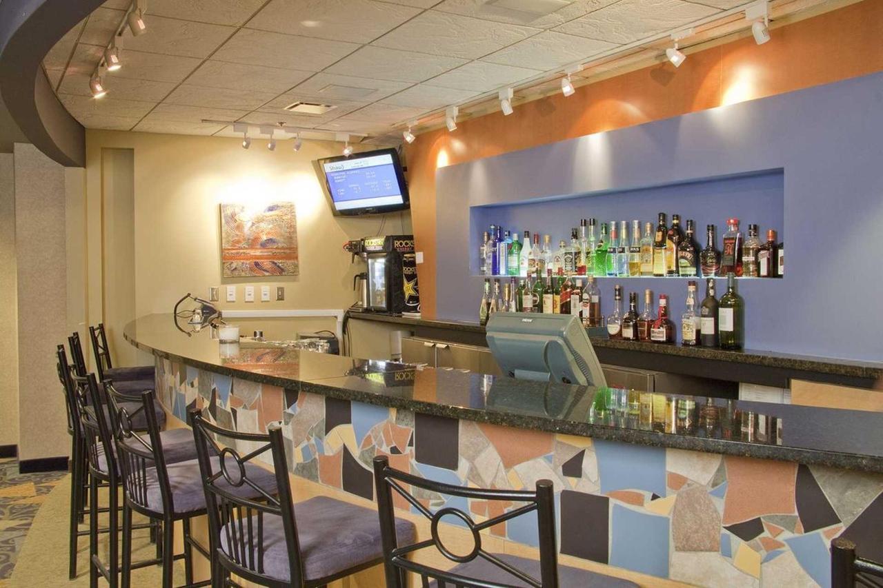fireside-lobby-lounge-3.jpg.1920x0.jpg