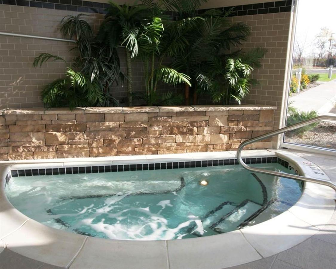 hidromassagem na piscina-oh344-1.jpg.1024x0.jpg