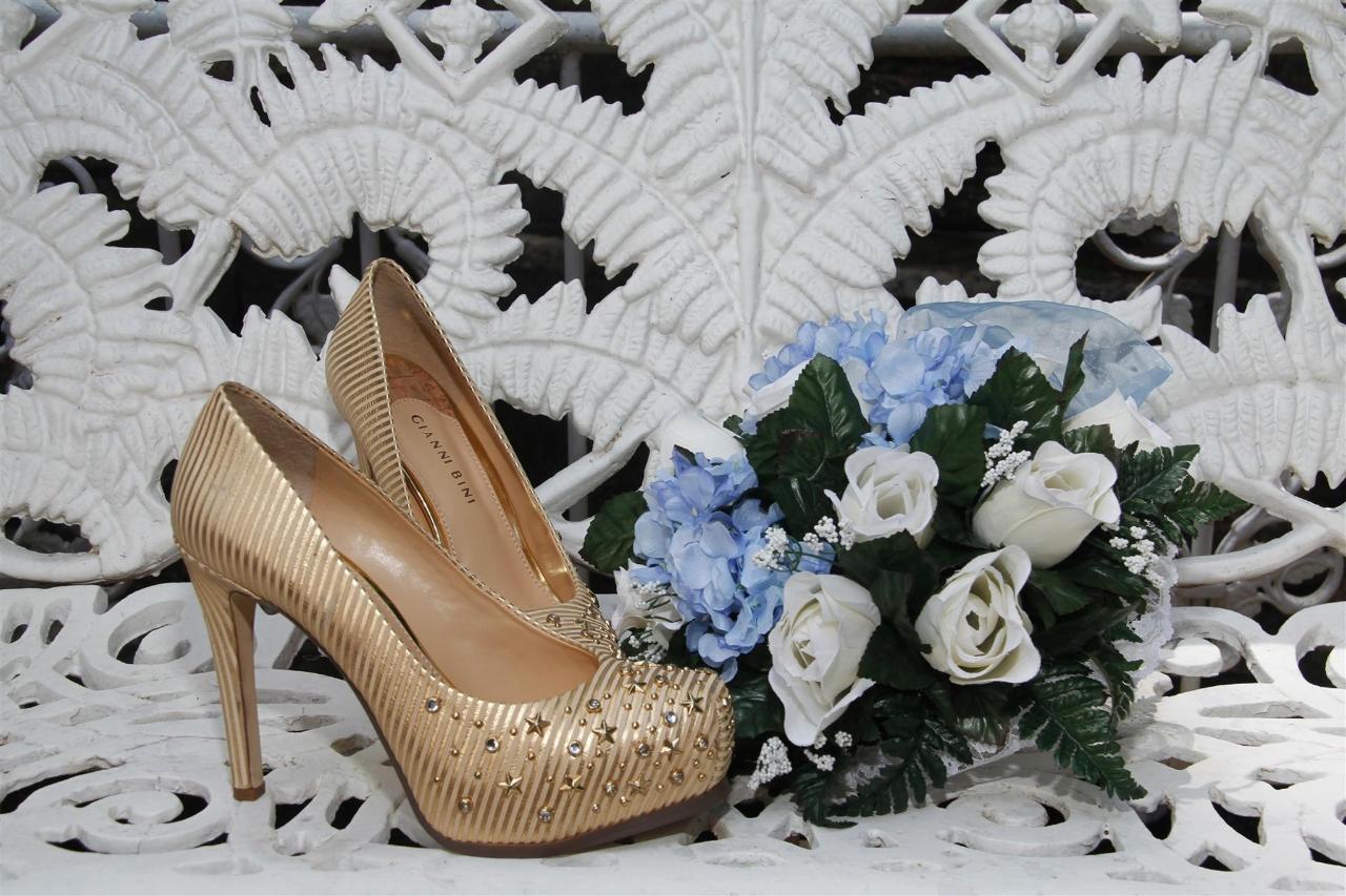 cupid-s-shoes-and-flower.JPG.1920x0.JPG