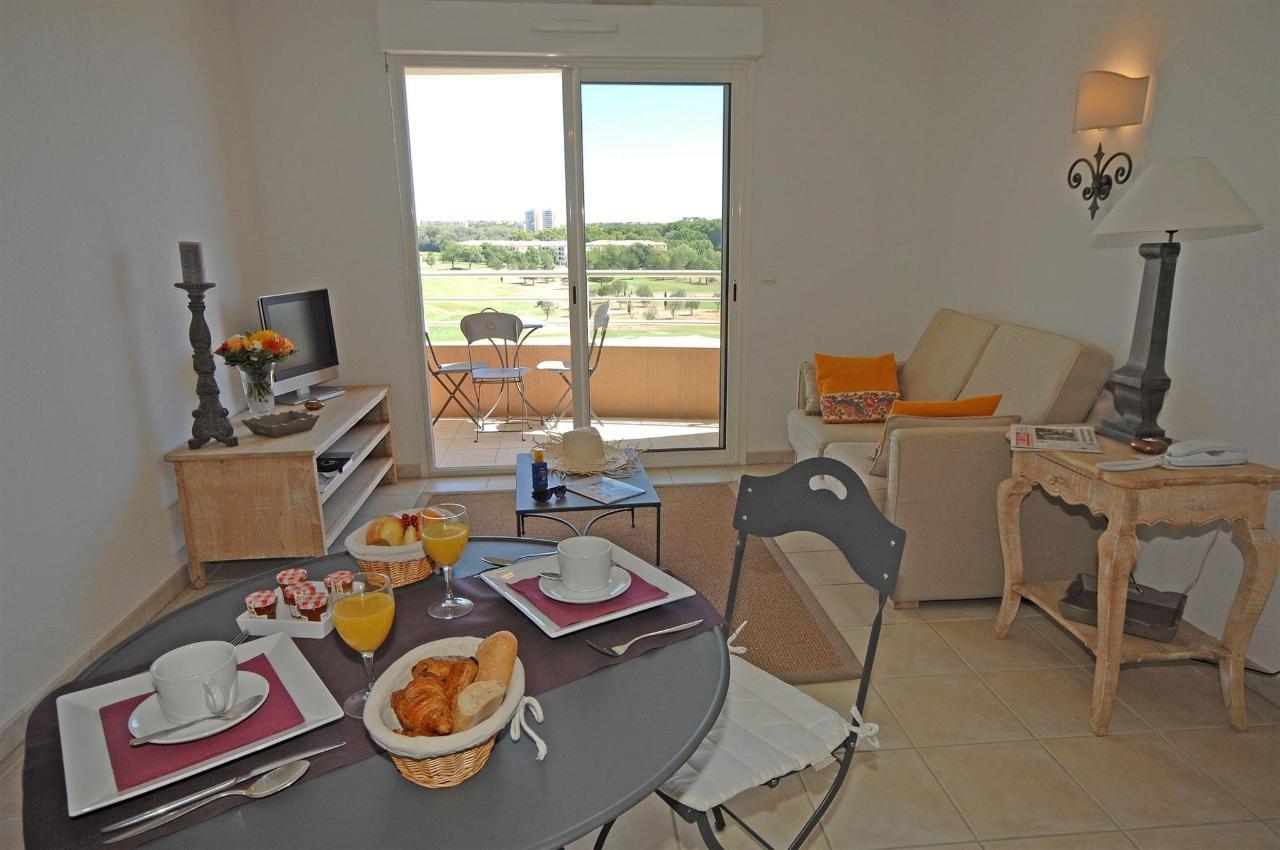 fr476-quality-hotel-du-golf-montpellier-juvignac-juvignac-superior-suite-room1.jpg
