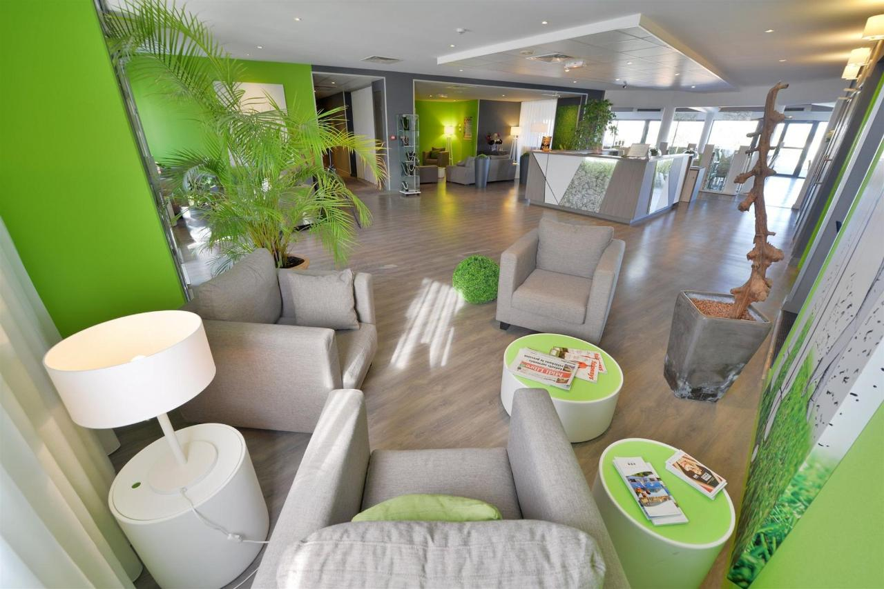 fr476-quality-hotel-du-golf-Montpellier-juvignac-juvignac-lounge-reception2.jpg