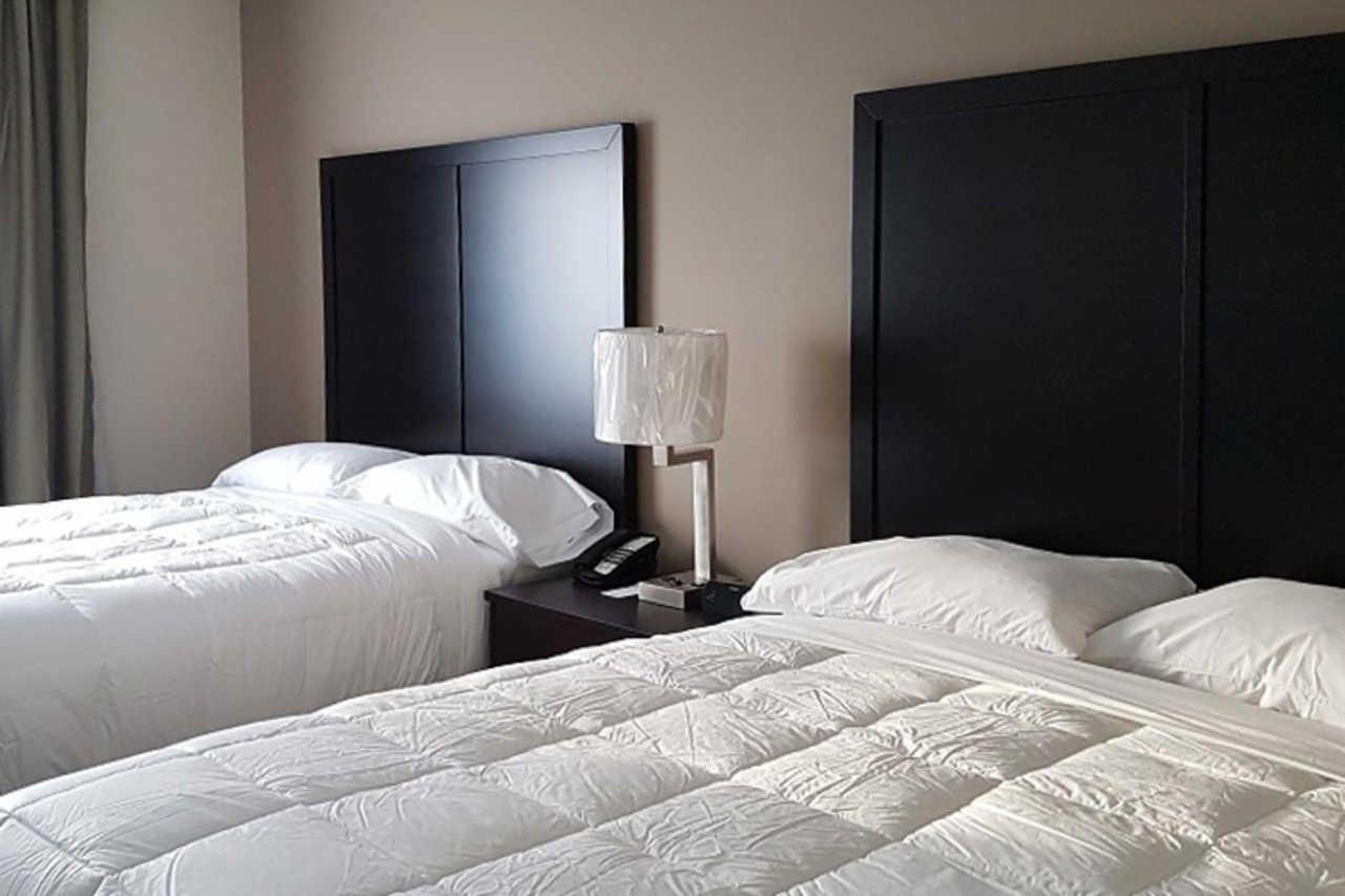2-queen-beds-1.jpg