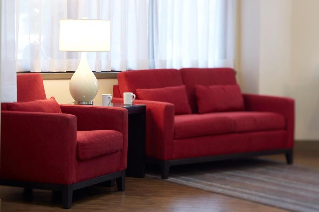 élégant-lobby-avec-assis-area.jpg