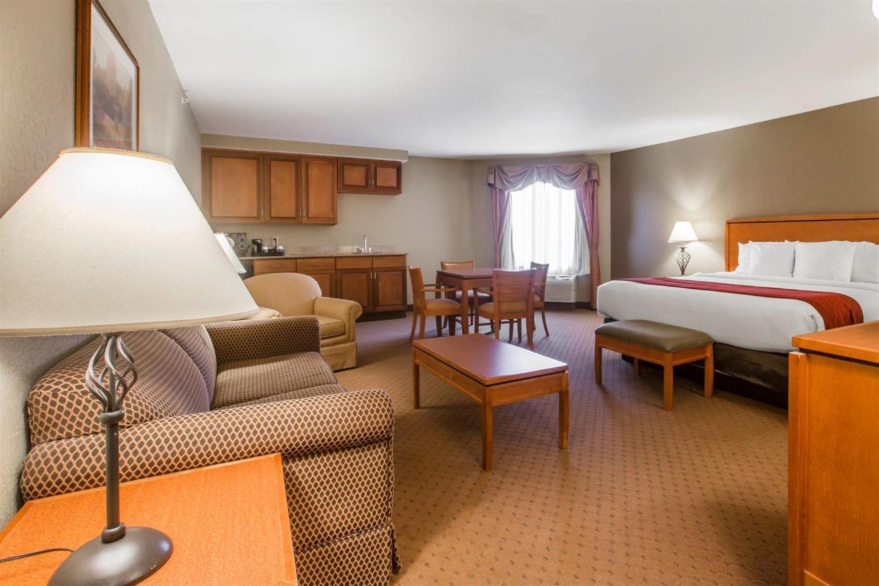 HospitalitySuite 3.jpg