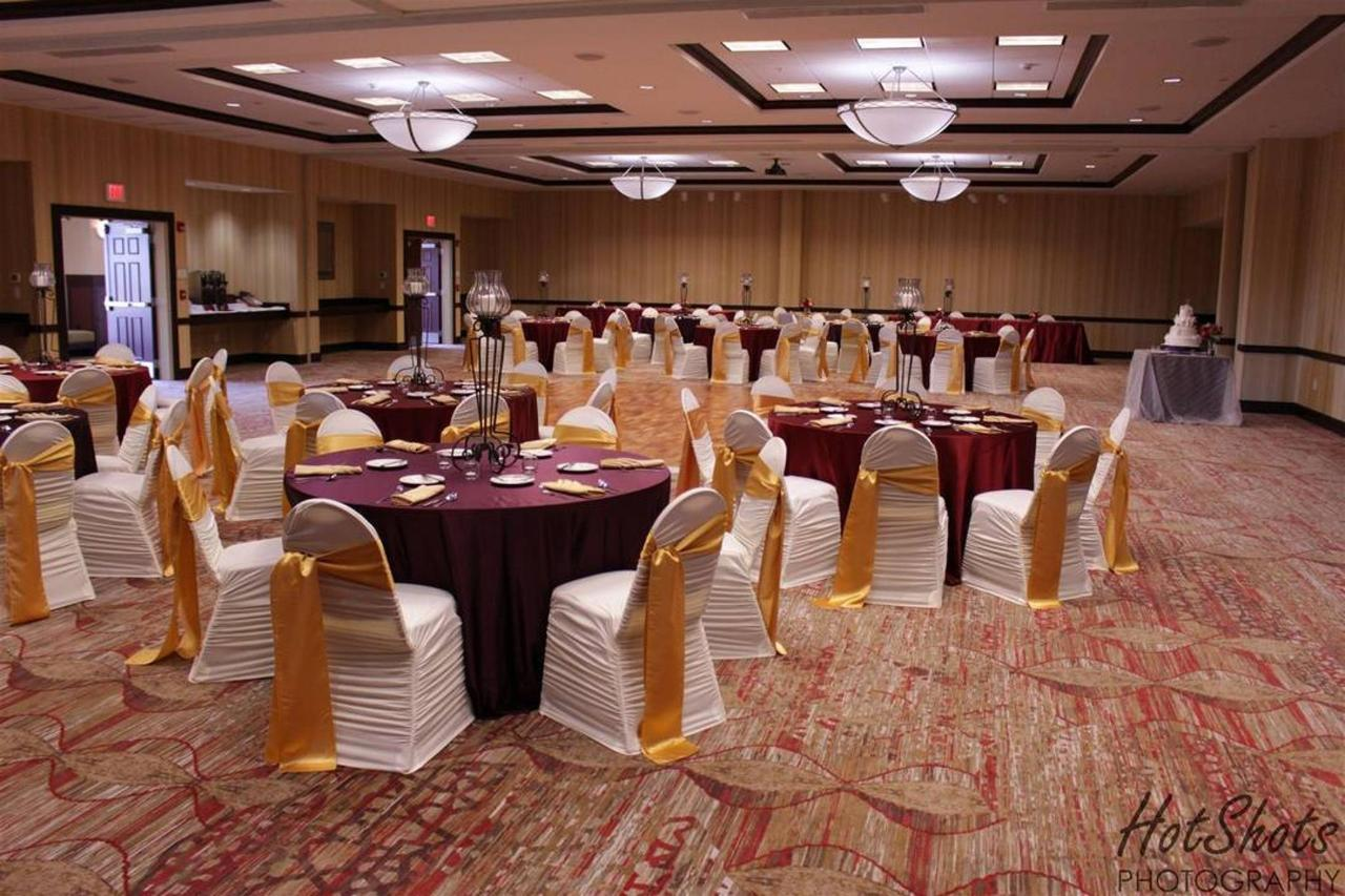 ballroom-overview-1.jpg.1080x0.jpg