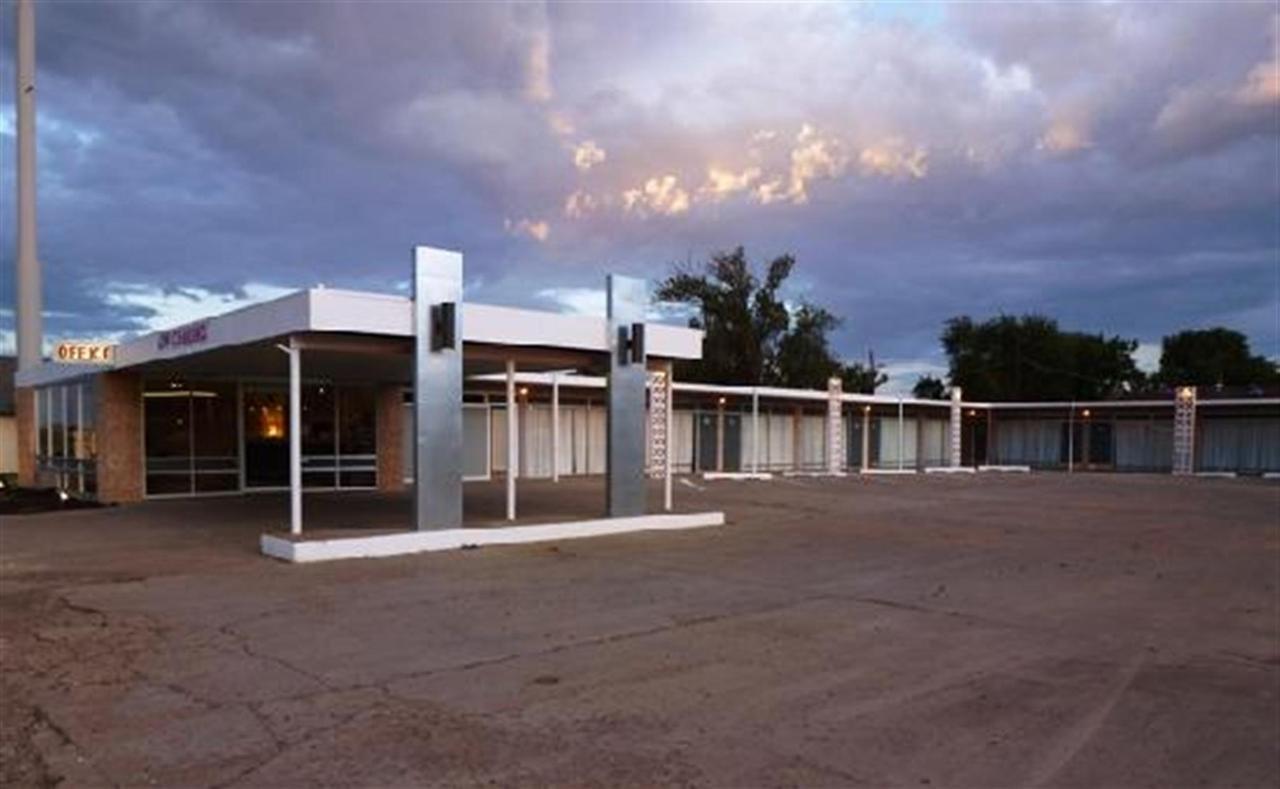 motel.jpg.1920x0.jpg