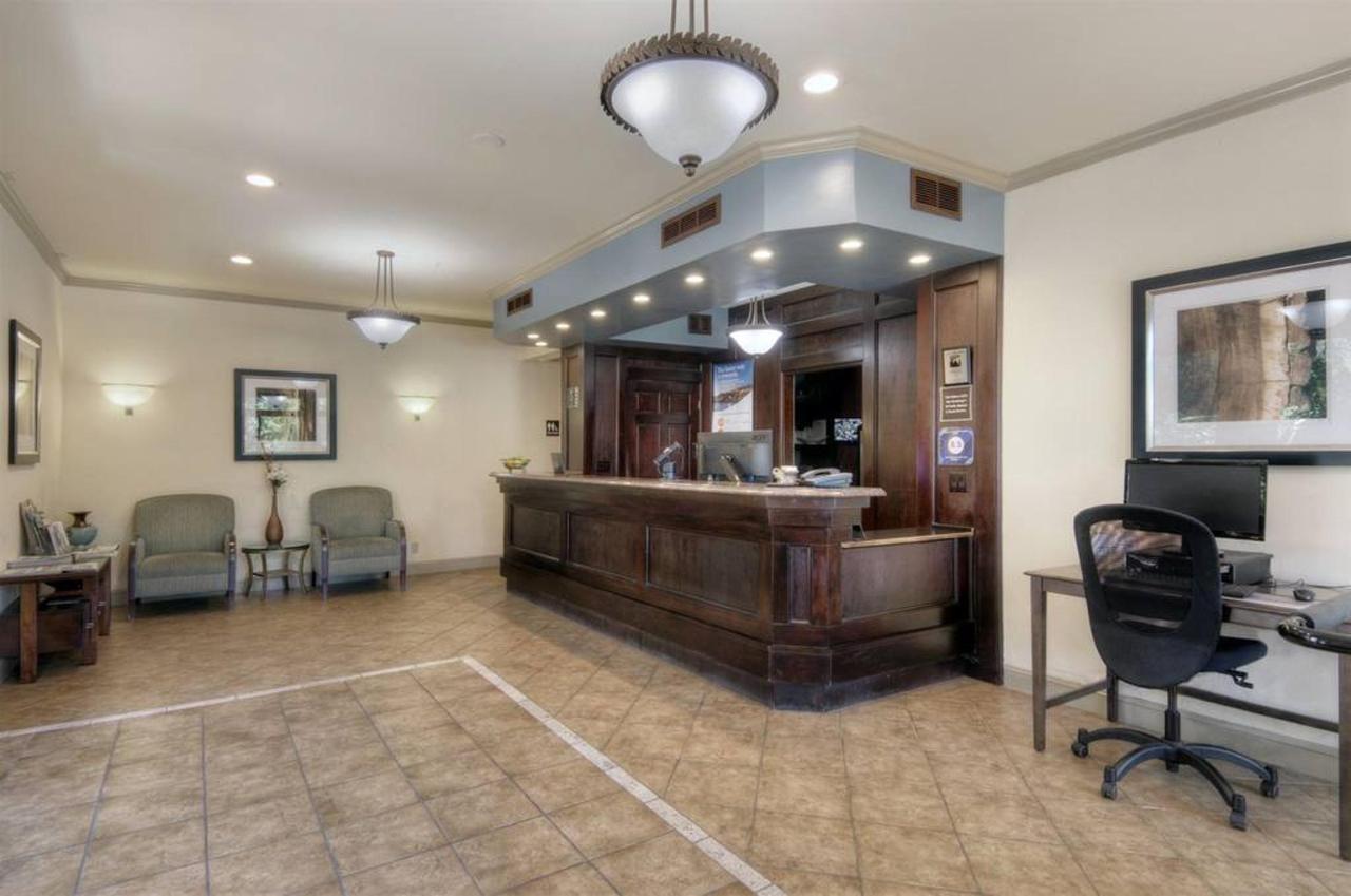 lobby2.jpg.1024x0.jpg