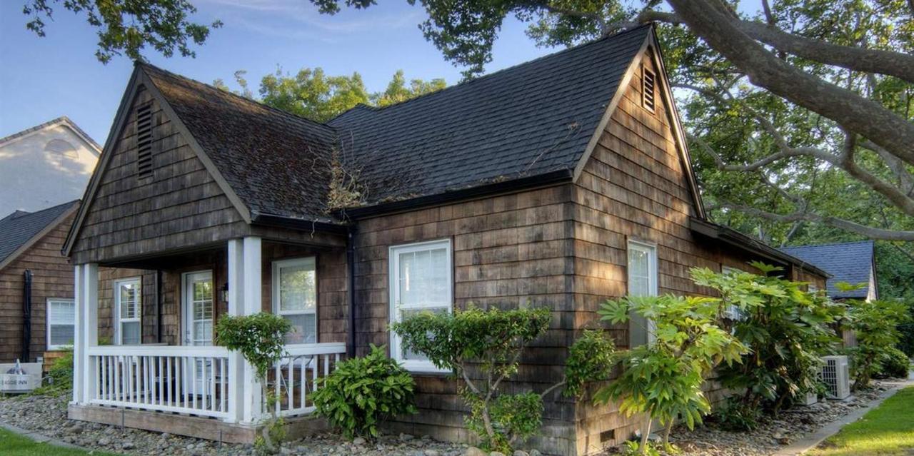 304-queen-cottage1.jpg.1236x617_default.jpg
