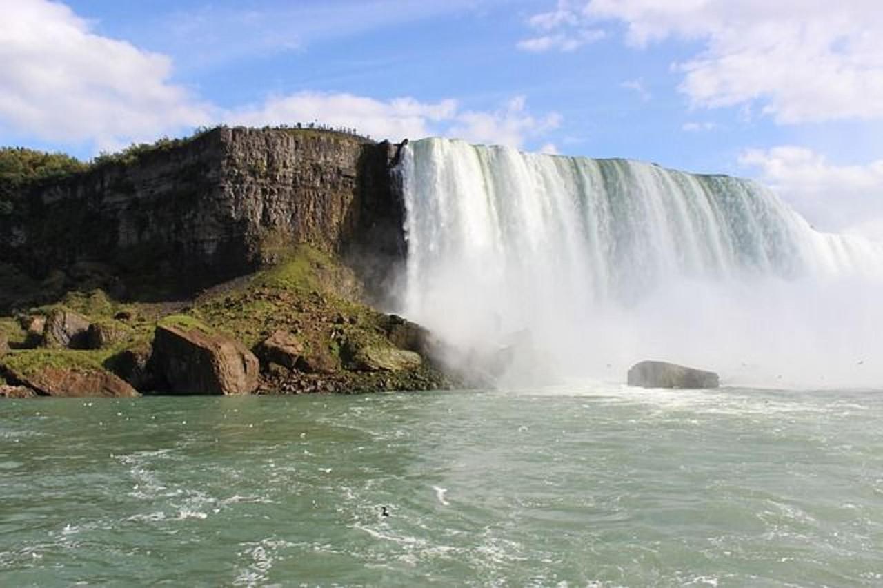niagara-falls-571139_640.jpg