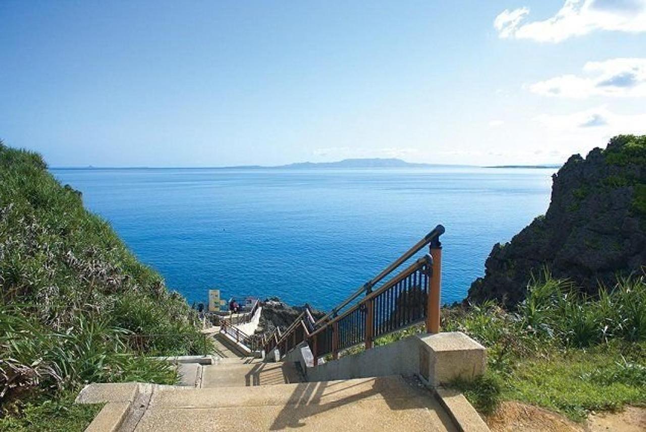 恩納村の青い海を満喫