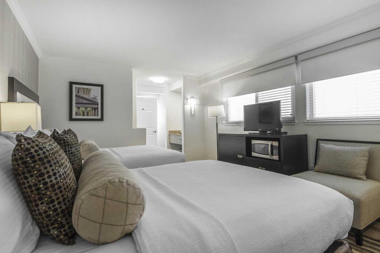 2-queen-beds-2.jpg
