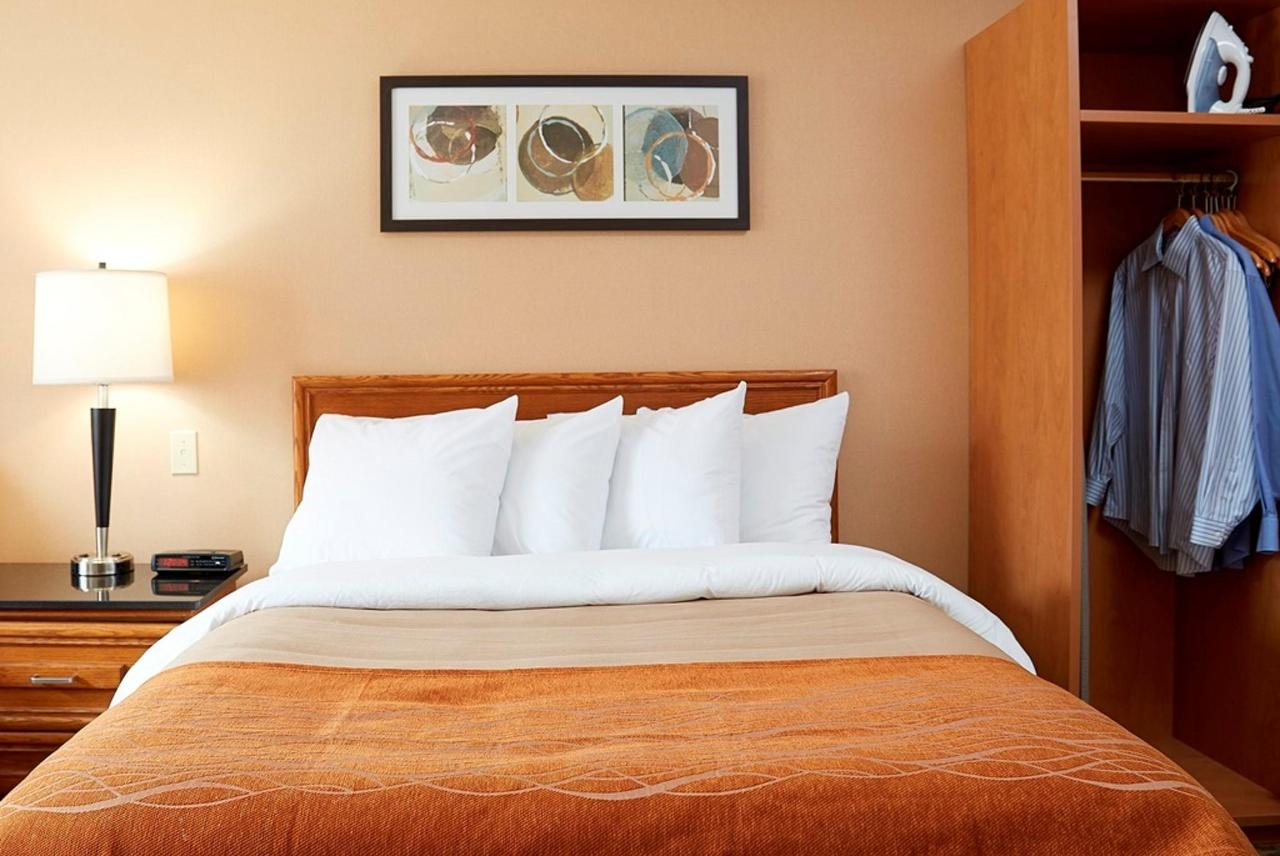 pillowtop-queen-guestroom-2.jpg.1024x0.jpg