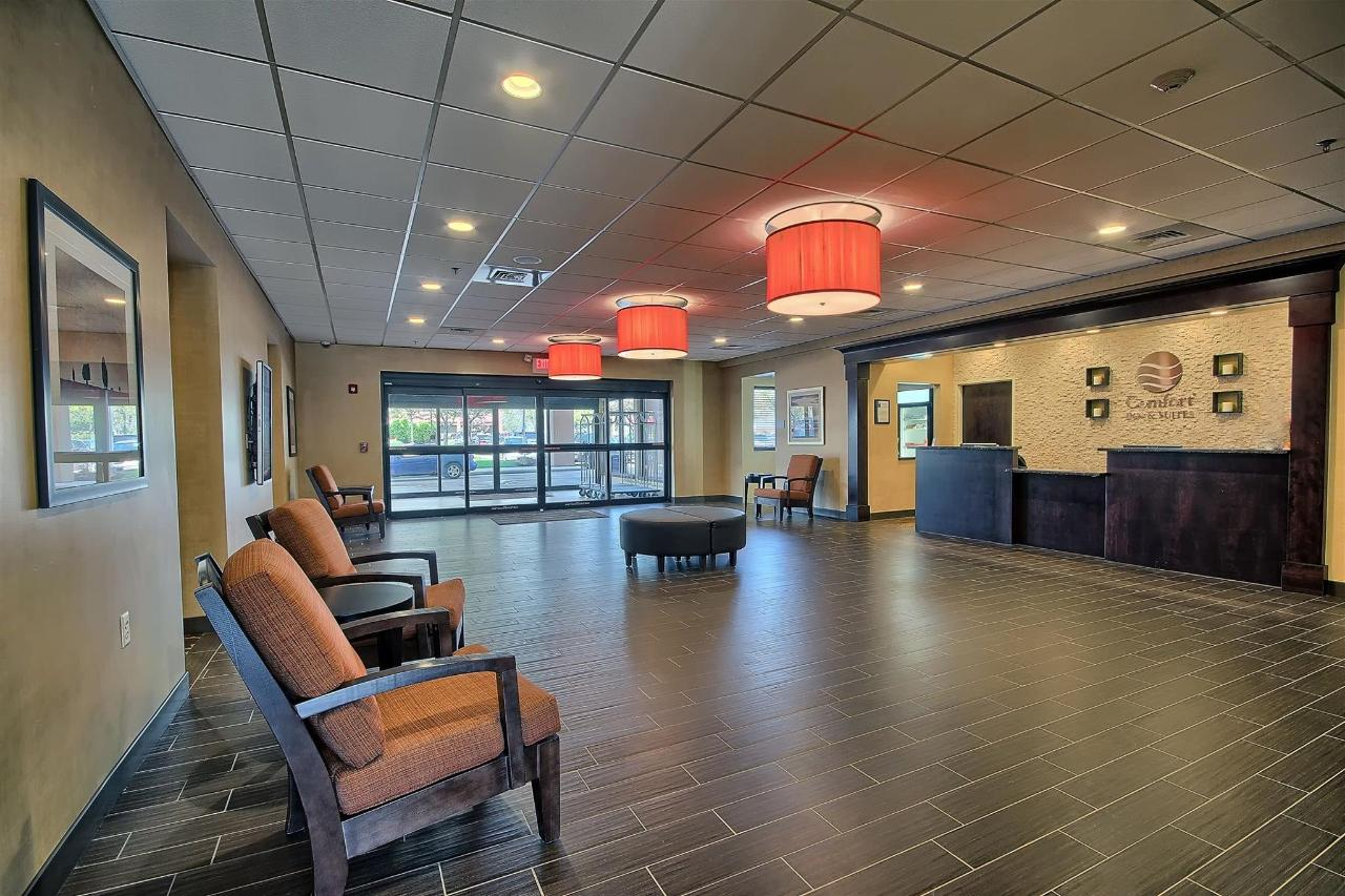 lobby-comfort - Copy.jpg
