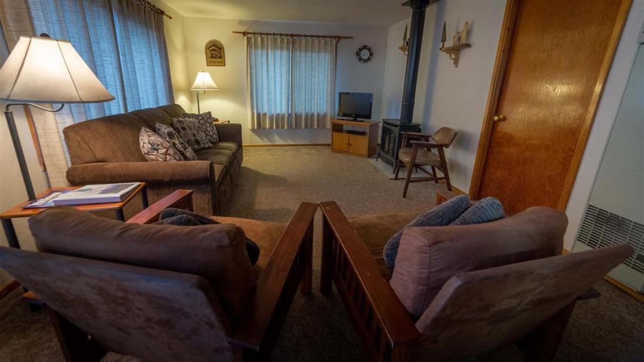 cabin-1.jpg.1080x0.jpg