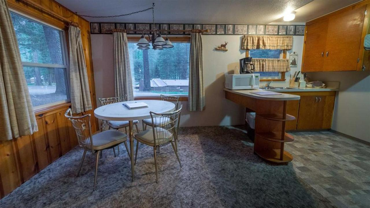 cabin-2-redone.jpg.1080x0.jpg