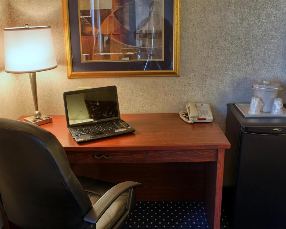 double-queen-room-7.jpg.1920x0.jpg