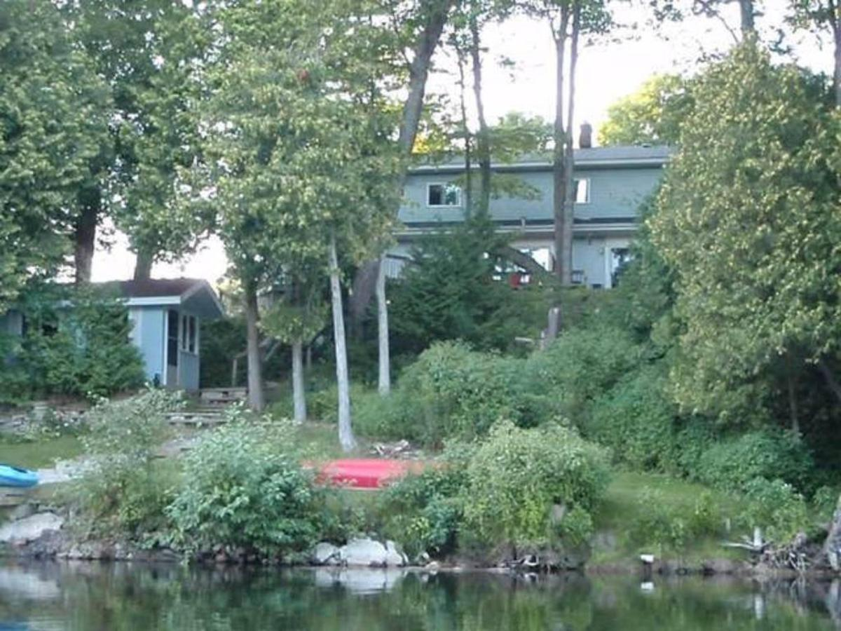 saublefallsbedandbreakfast_a_view_from_a_kayak.jpg.1024x0.jpg