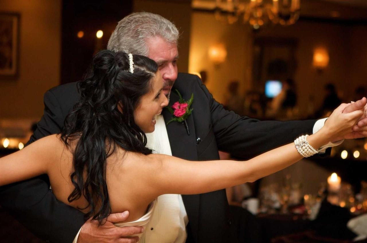 kelly-and-ryan-bride-and-father-dance.jpg.1920x0.jpg