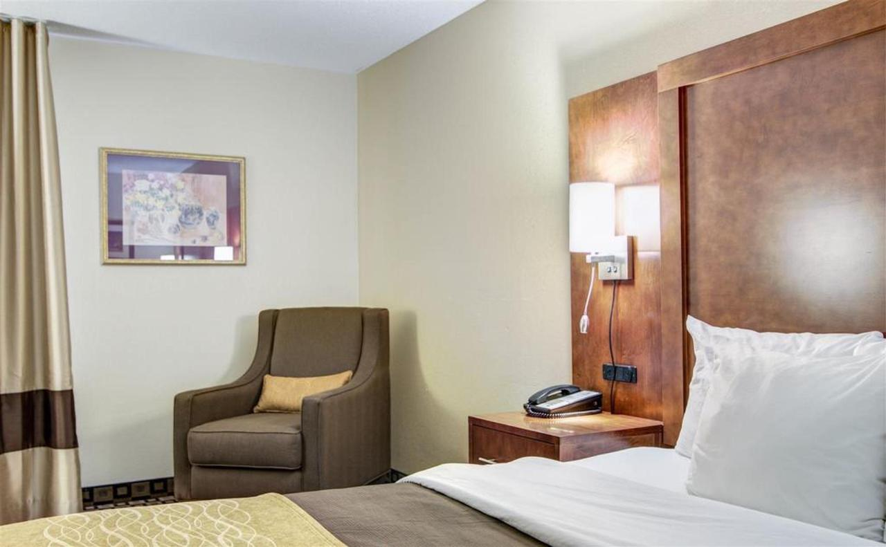 Rooms 16.jpg
