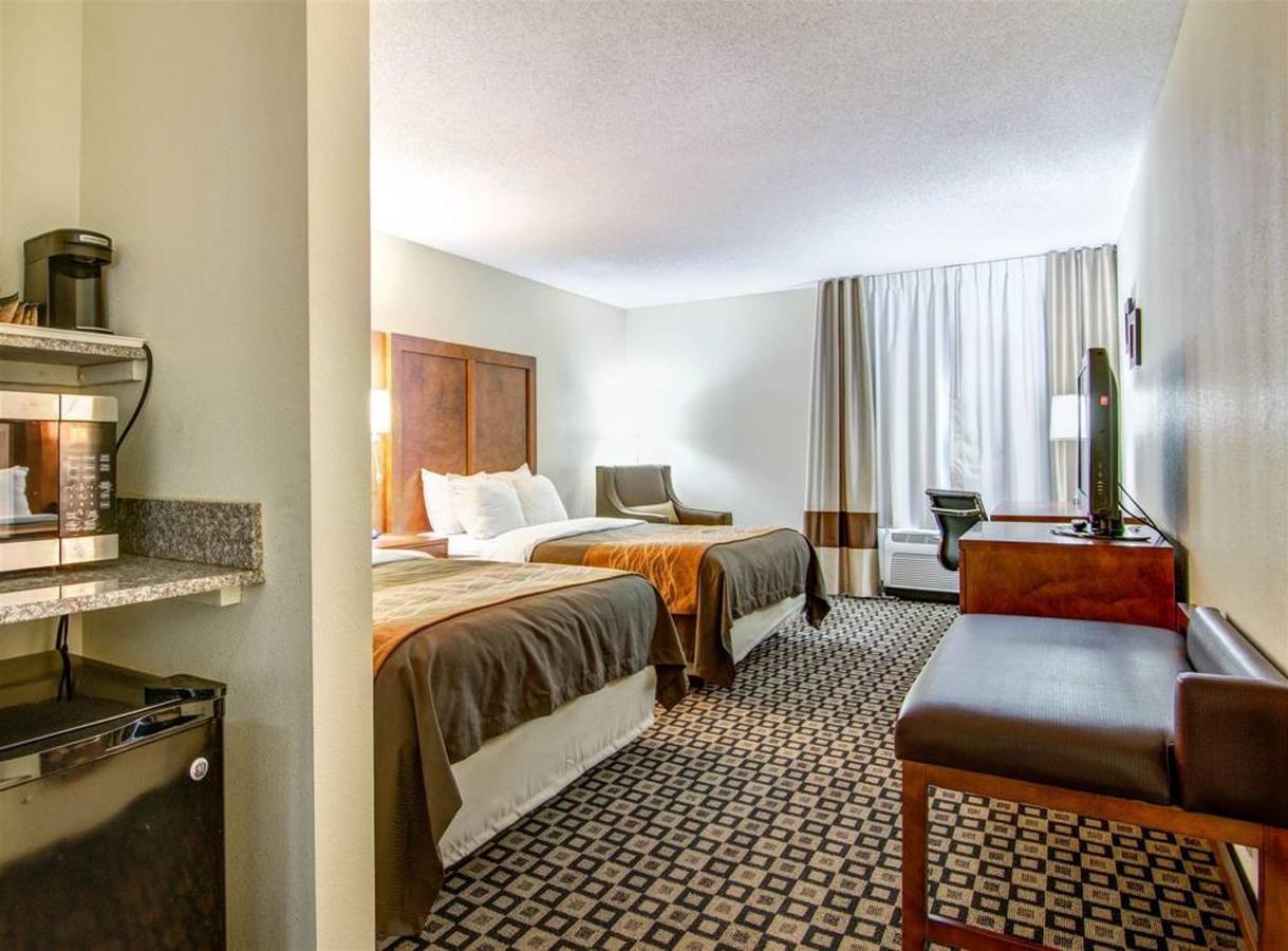 Rooms 12.jpg