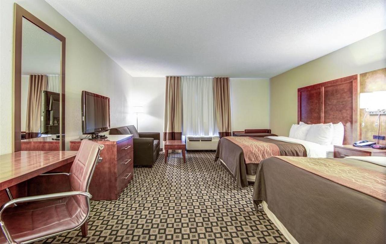 Rooms 8.jpg