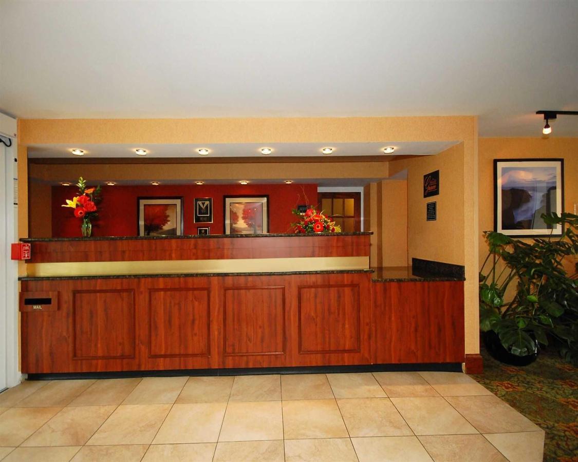me011-lobby31.jpg.1920x0.jpg