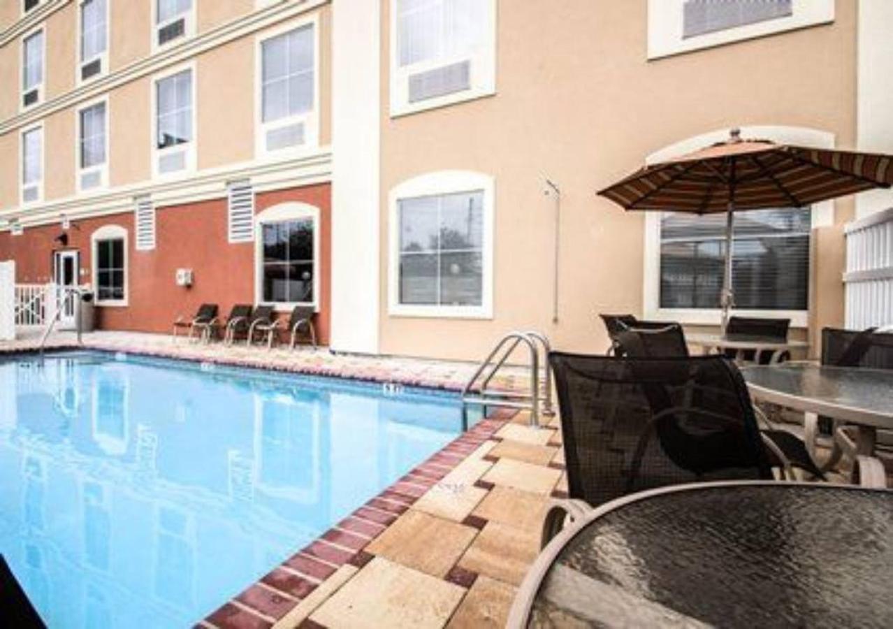pool-2.jpg.1024x0.jpg