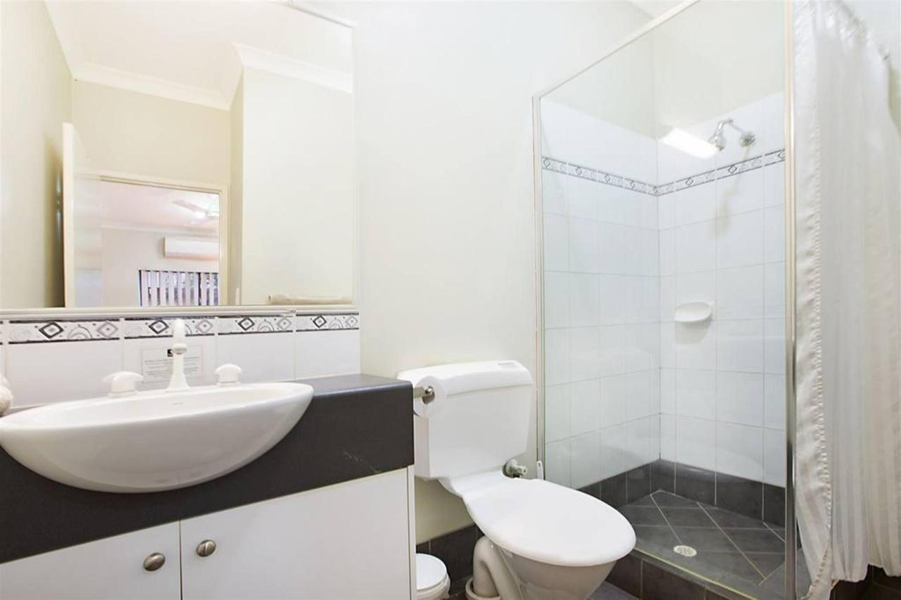 King Bed Suite -1 King bed fully self contained suite, separate lounge/kitchen & On Suite bathroom, Free WiFi, 32