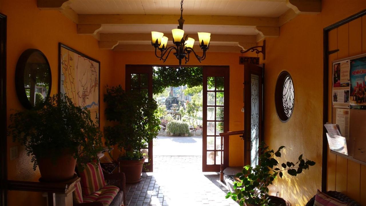 solvang-gardens-lobby-photo.JPG.1024x0.JPG