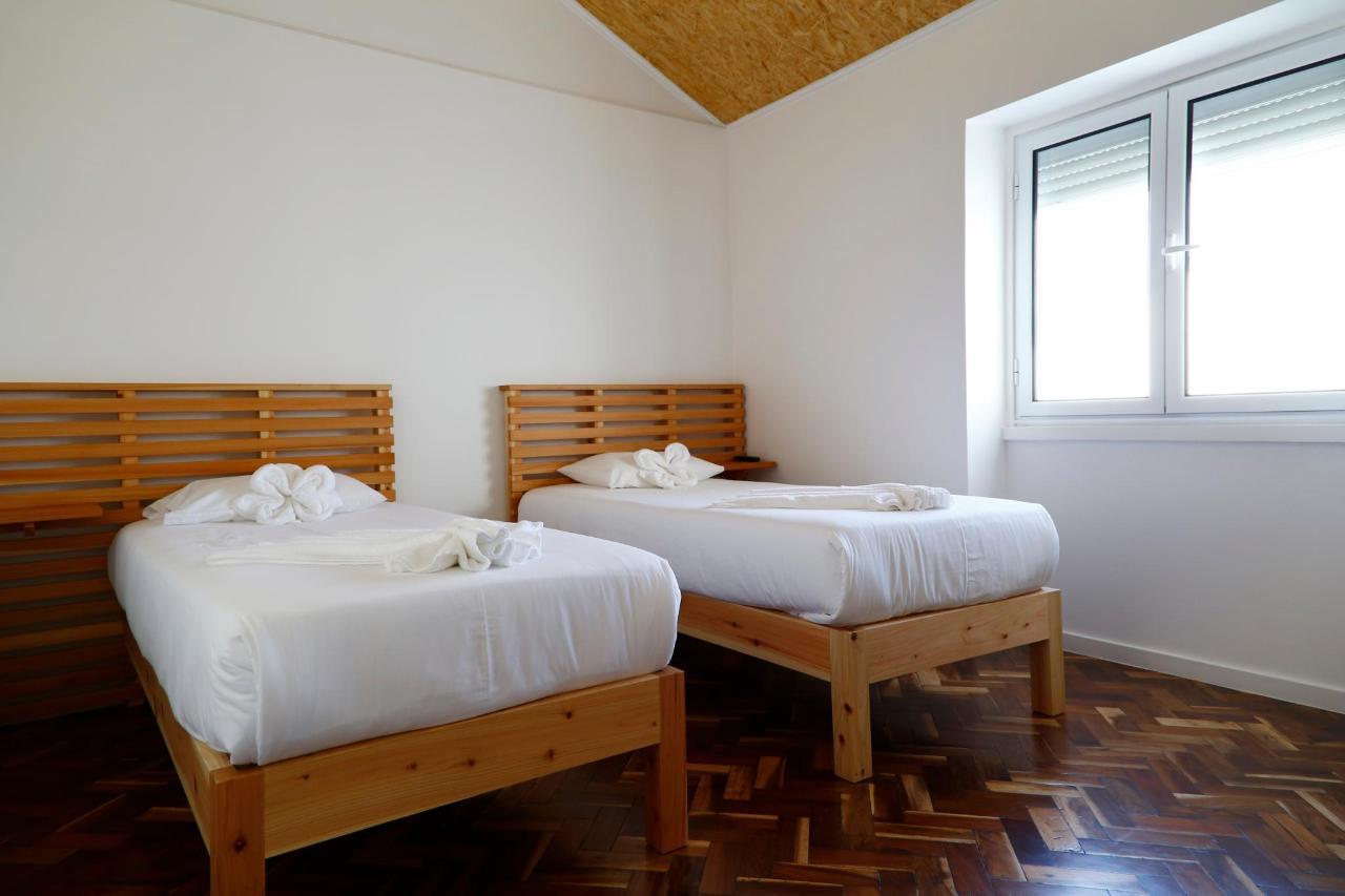 Private deluxe room batroom ensuite - City's Hostel Ponta Delgada Azores (2) .jpg