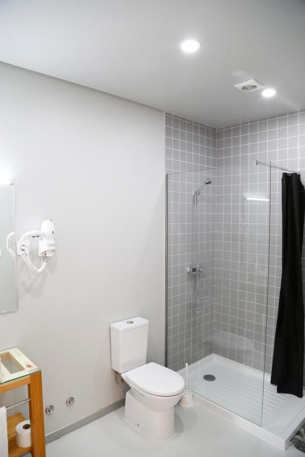 Private bathrooom on 6 bed Dorm room- City's Hostel Ponta Delgada.jpg