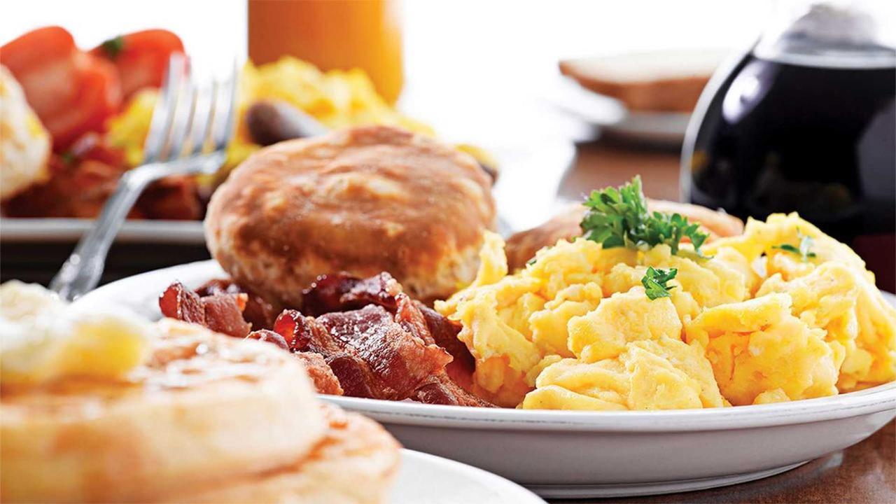 breakfast3.jpg.1920x0.jpg