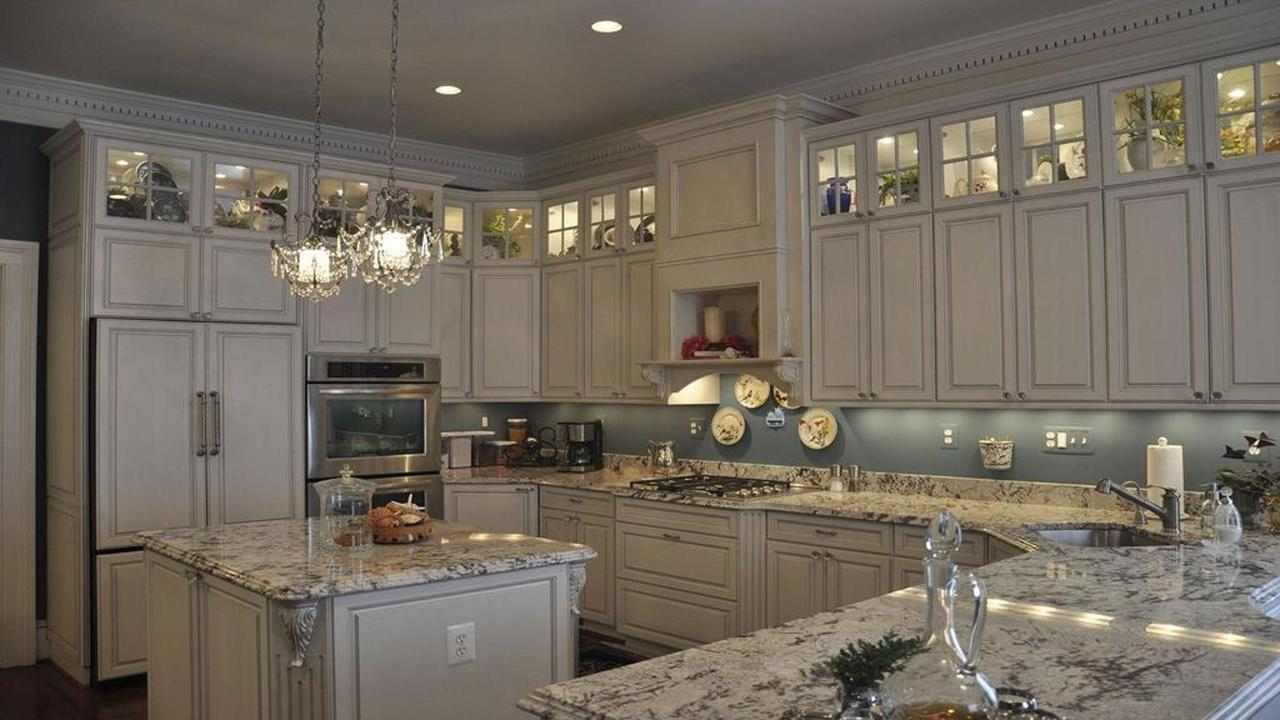 caroline-house-kitchen-for-web.jpg.1024x0.jpg