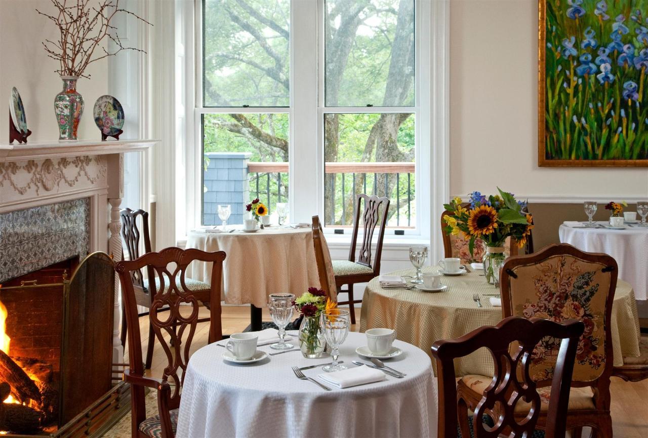 dining-room-3-2684678384-o1.jpg.1920x0.jpg