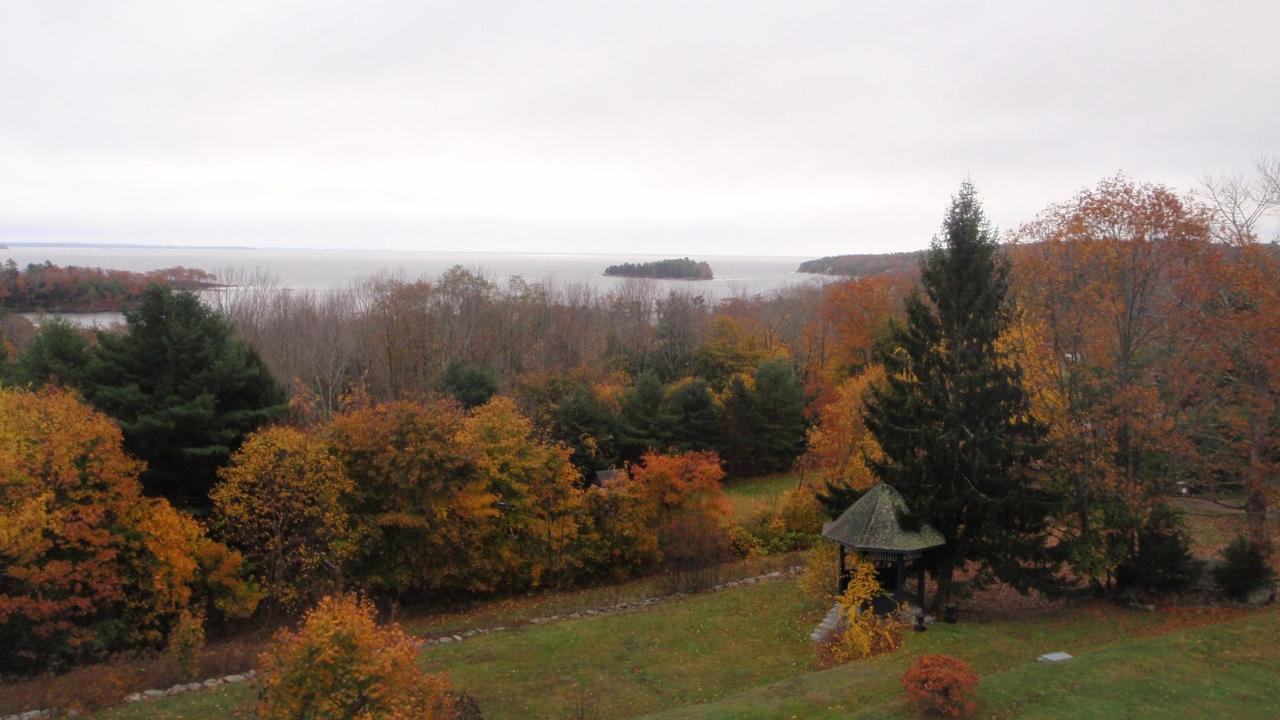 fall-view-2.jpg.1920x0.jpg